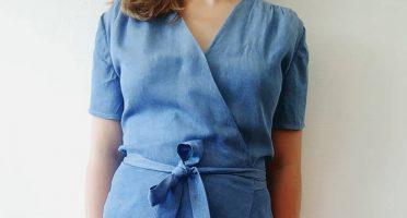 Pour cet été, j'avais très envie de coudre une robe portefeuille. Après avoir longtemps hésité mon choix s'est finalement porté sur Aime comme Mots Doux...